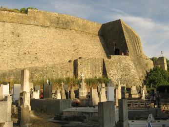 Mohutné hradby města Ulcinj