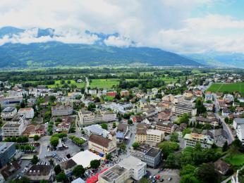 Pohled shora na hlavní město Vaduz
