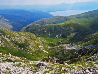 NP Galičica se rozprostírá mezi břehy Ohridského a Prespanského jezera