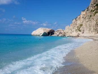 Jónské moře omývající pláž Kathisma