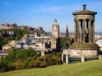 Památník na Calton Hill v Edinburghu