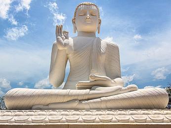 Socha Buddhy na poutním místě vMihintale