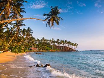 Srí Lanka, ležící na ostrově Cejlon, je tropickým rájem vIndickém oceánu
