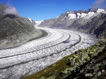 Pohled na nejdelší evropský ledovec Aletschgletscher