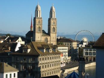 Katedrála Grossmünster, kde začal své myšlenky šířit kazatel Zwingli