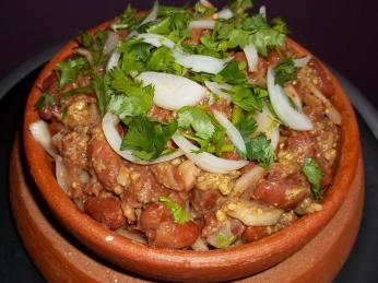 Lobio jsou fazole dušené skoriandrem, vlašskými ořechy, česnekem acibulí