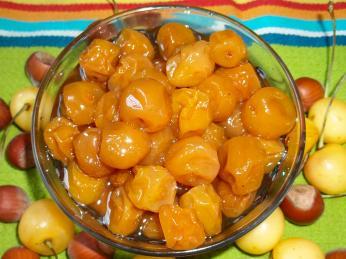 Muraba podobná džemu se připravuje zovoce, cukru akoření
