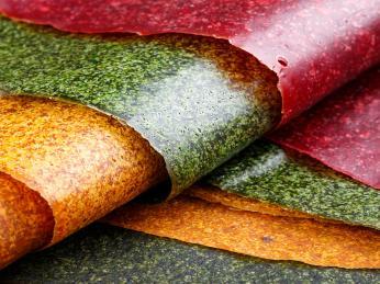 Zmeruněk, broskví, moruší, fíků či jablek se vyrábí sladké plátky tklapi