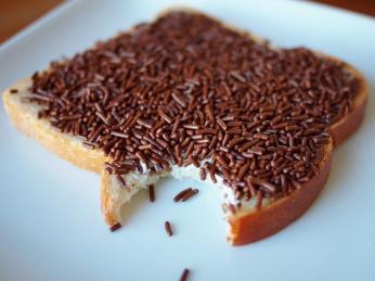 Čokoládovou rýži hagelslag si Nizozemci soblibou sypou na chleba smáslem