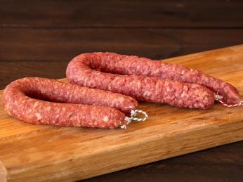 Sušením syrového mletého masa na vzduchu vznikne klobása metworst
