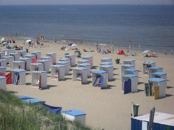 Holandsko má zhruba 60 km pobřeží, kde lze najít také pěkné písečné pláže
