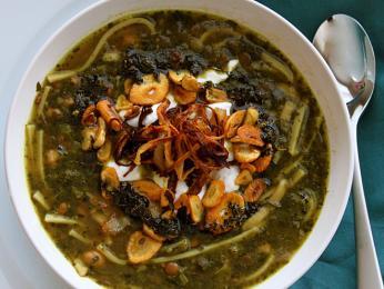 Áš-e rešte – hustá polévka nazvaná podle nudlí