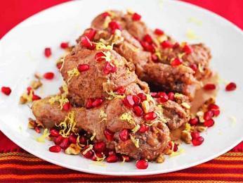 Fesendžán - dušený pokrm zomáčky svlašskými ořechy a šťávou zgranátových jablek
