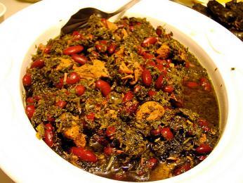 Ghorme sabzi - dušený pokrm se zelenými bylinami