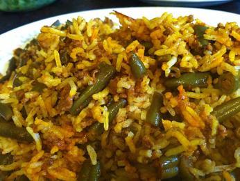Lubia polo je jeden zrýžových pokrmů sfazolkami