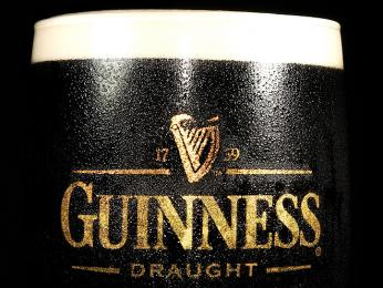 Národní symbol Irska - hořké tmavé pivo Guinness