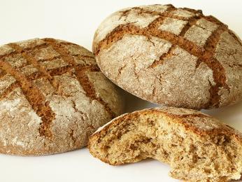 Při výrobě sodového chleba se namísto kvasnic používá jedlá soda