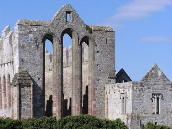Na místě Ardfert Cathedral založil sv. Brendan v7.století klášter