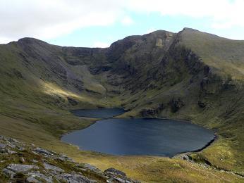 Pohoří Macguillycuddys Reeks na jihozápadním pobřeží Irska