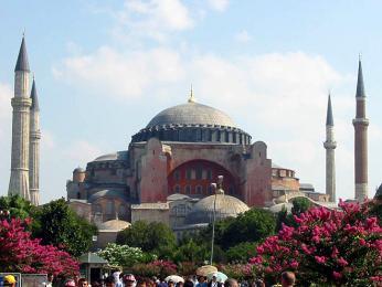 Hagia Sofia, chrám Boží moudrosti, nejvýznamnější městská památka na byzantskou dobu