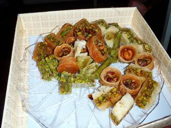 Baklava a další sladkosti vistanbulské cukrárně