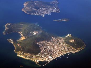 Heybeliada, největší zPrincových ostrovů