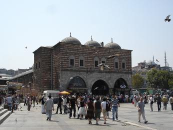 Budova Egyptského bazaru Misir Çarşisi