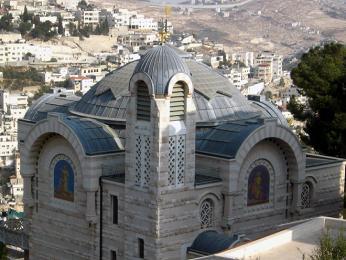 Kostel svatého Petra na svahu hory Sijón