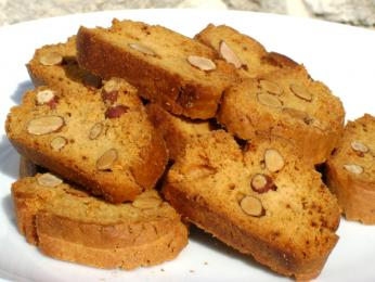 Sušenky canistrelli s mandlemi