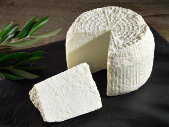 Ovčí sýr brocciu ze syrovátky