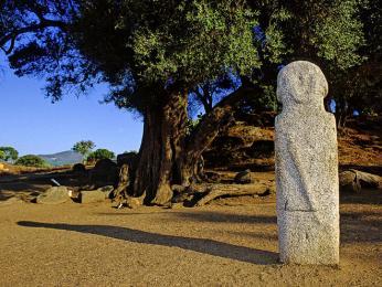 Filitosa je nejznámějším prehistorickým místem na Korsice
