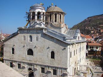 Katedrála svatého Jiří byla postavena za peníze srbských obchodníků