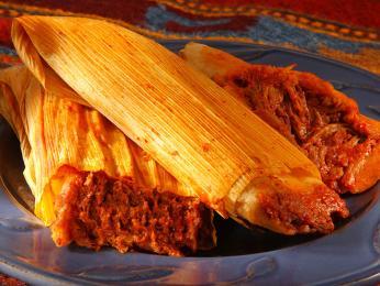 Tamales je pokrm zavinutý v banánovém listu