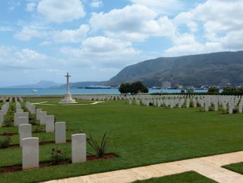 Ve městě Souda na Krétě bylo pohřbeno 1500 spojeneckých vojáků