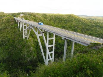 Most Bacunayagua je nejvyšší na Kubě