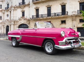 Havanské ulice jsou plné amerických veteránů