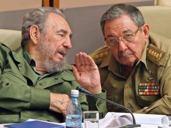 Bratři Fidel a Raul Castrové