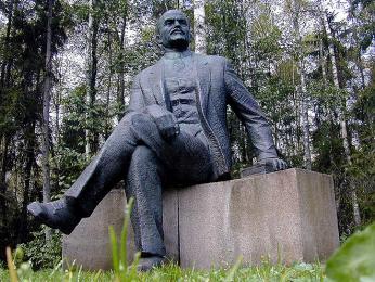 Grūto parkas je muzeum soch a jiných památek ze Sovětských dob