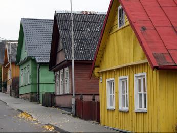 V okolí hradu Trakai se nachází množství karaimských domů se třemi okny