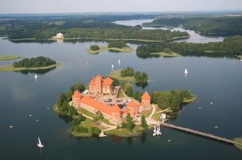 Ostrovní hrad Trakai je jednou znejznámějších a nejfotogeničtějších památek vLitvě