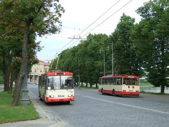 Ve Vilniusu se běžně setkáte sautobusy Karosa nebo trolejbusy značky Škoda