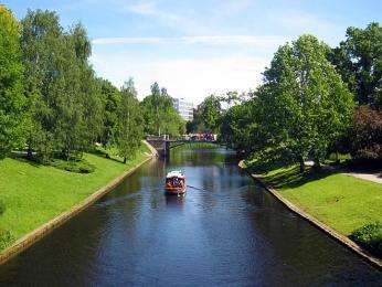 Městský kanál protéká i místy, kde dříve byly hradby