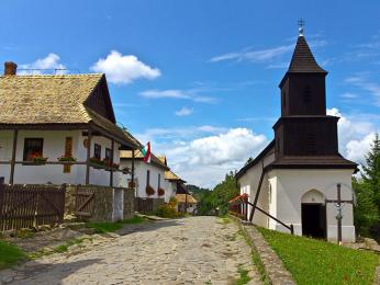 Palócká vesnička Hollókö