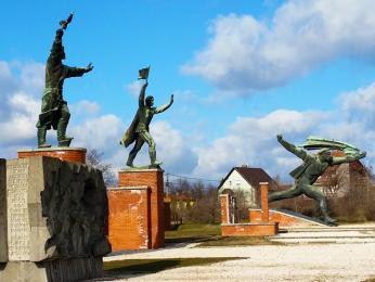 Památníky zkomunistické éry vmaďarském Parku soch