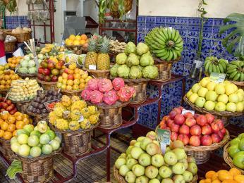 Na tržnici Mercado dos Lavradores je kdostání i exotické ovoce