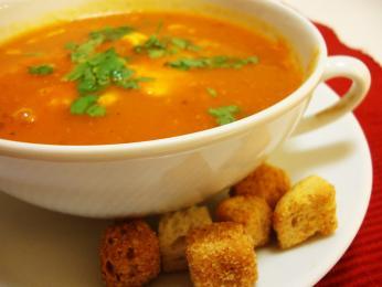 Na Madeiře oblíbená polévka z rajčat acibule