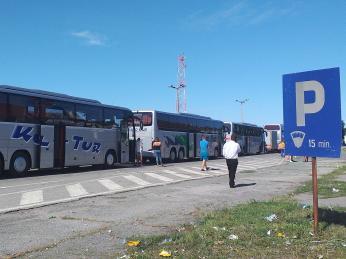 Fronta na hraničním přechodu mezi Srbskem aMaďarskem může být na mnoho hodin