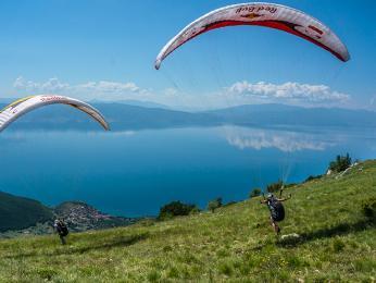 Paraglaiding uOhridského jezera