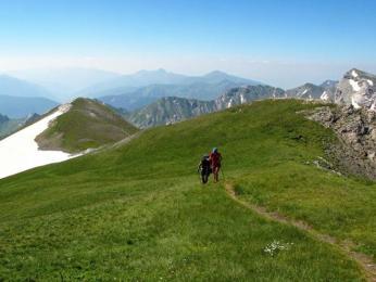 Sníh leží na hřebenech Šar planiny často až do července