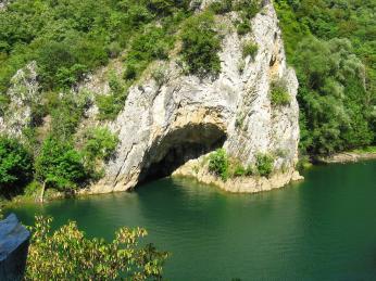 Turisticky přístupná jeskyně Vrelo